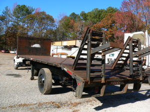 1045, Flatbed to haul equipment