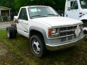 657, 1998 Chevrolet 3500HD pickup cab and chassis