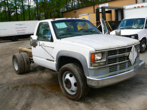 657, 1998 Chevrolet 3500HD truck without bed