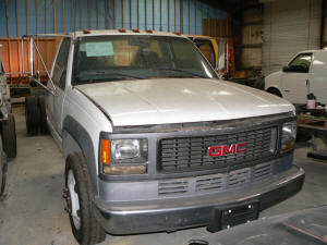 756, 2000 GMC 3500 HD with engine problem