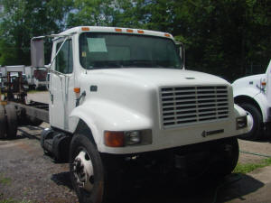 904, 2000 International 4700 used parts