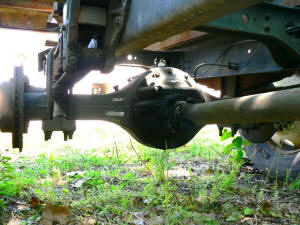 925, 1991 International 4600 rear axle Spicer F155S