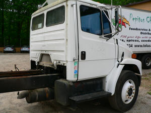 2000 freightliner fl70 used parts unit 998