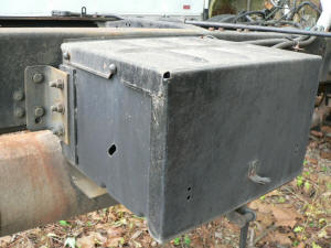 B015, Ford F800 used battery box
