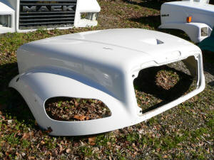 H300, Freightliner M2 used hood, A17-19133-00