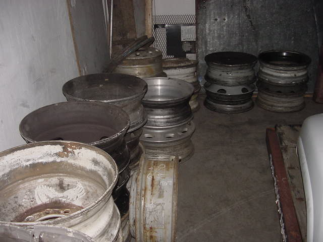 Used Truck Parts, Refrigerated Dividers, Cat Walks, Rims